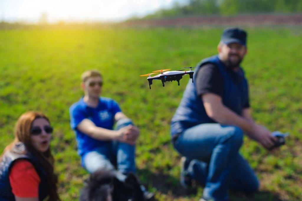 gdzie latac dronem