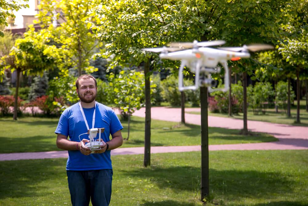do czego się może przydać dron