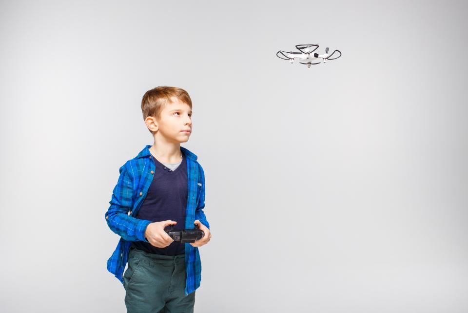 19 powodów, dla których dzieci powinny latać dronami