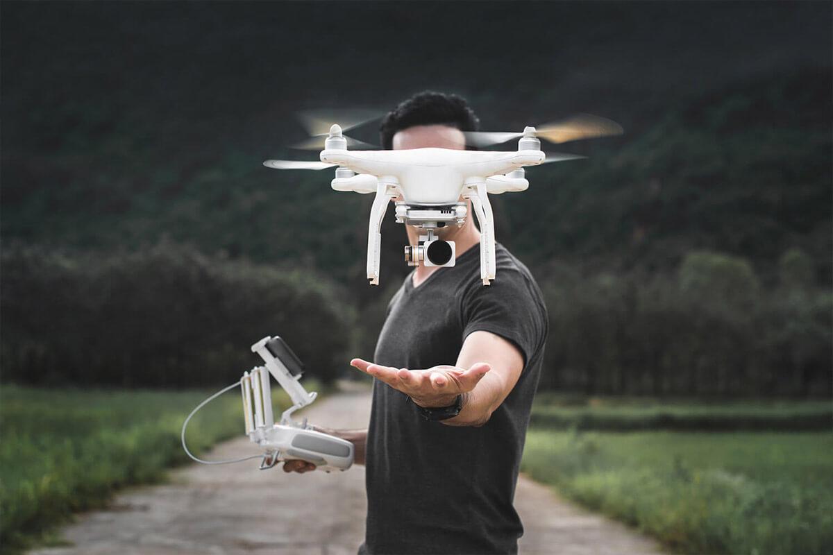 dron z gps