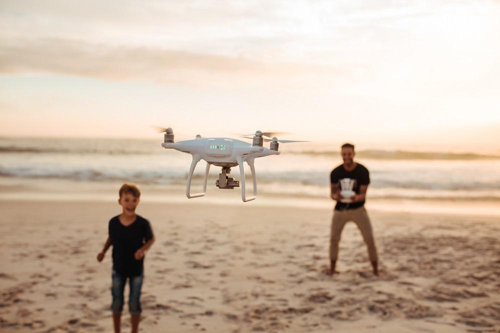 czy sterowanie droższym dronem jest łatwiejsze