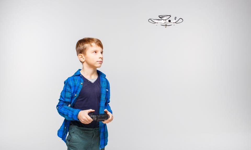 ile lat powinno mieć dziecko aby latać dronem